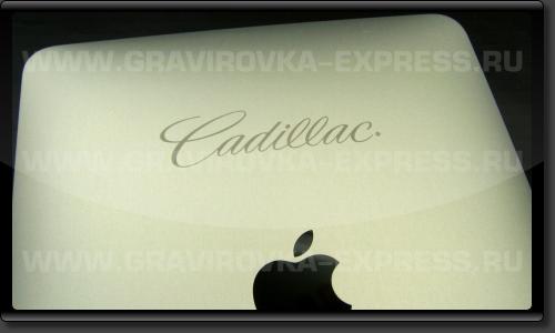 Логотип Cadillac на iPad